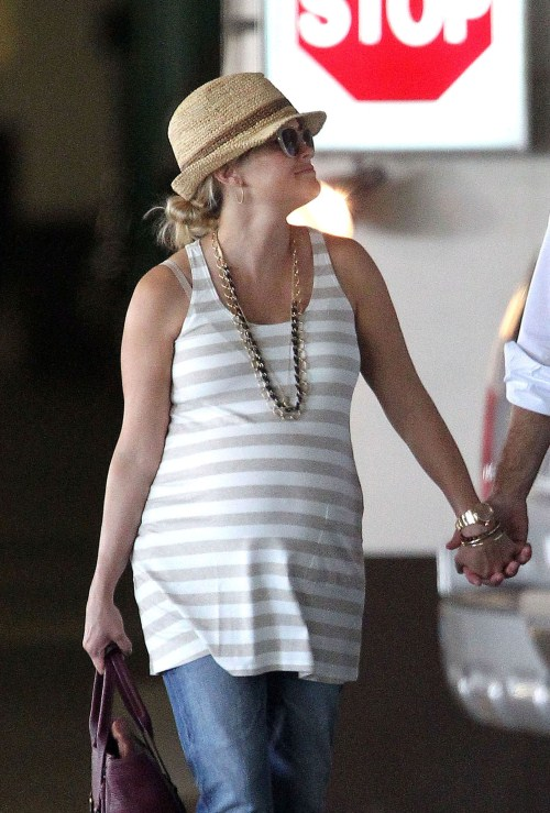 Reese Witherspoon Counting Down The Days Before Birth