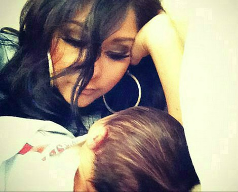 Snooki Tweets An Adorable Picture With New Son Lorenzo (Photo)
