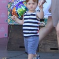 Amy Poehler takes her boys Abel and Archie to get groceries and birthday balloons at Bristol Farms in Beverly Hills CA, on September 1st, 2012.
