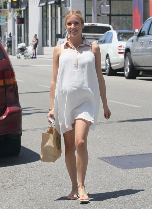 Kristin Cavallari was seen picking up lunch in Beverly Hills, California on May 21, 2012.