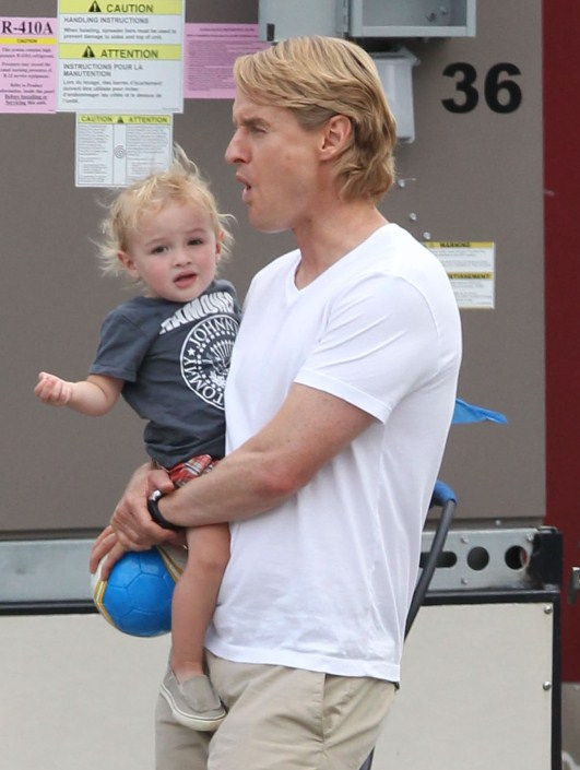"""Owen Wilson spend his lunch break on the set of """"The ..."""