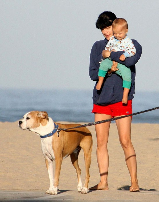 Selma Blair Has A Walker On Her Hands