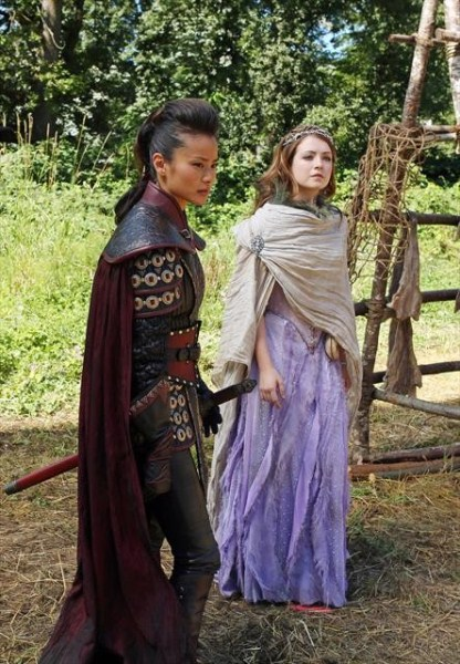 "Once Upon a Time Recap: Season 2 Episode 3 ""Lady Of The Lake"" 10/14/12"