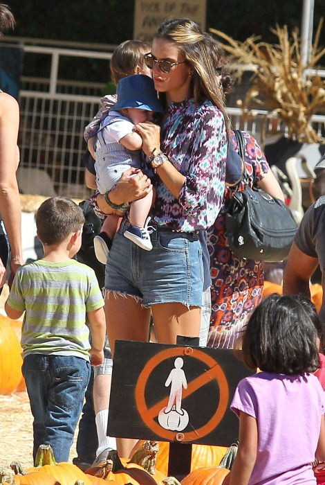 Alessandra Ambrosio Enjoys A Pumpkin Day With Family