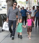 Ben Affleck takes his daughter Violet and Seraphina to Barnes & Noble book store in Santa Monica, California on October 6, 2012.