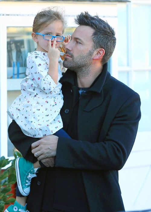 Ben Affleck & Jennifer Garner Grab Breakfast With Seraphina