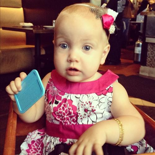 Tori Spelling Tweets Picture Of Hattie On Her First Birthday