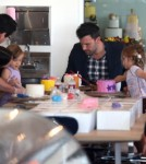 Ben Affleck and Jennifer Garner Take the Girls to Cake Mix