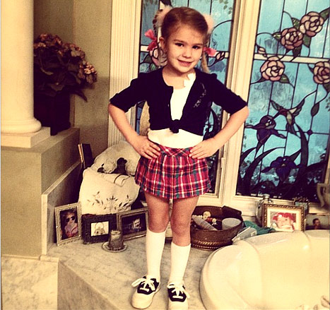 Maddie Spears Dresses Up Like Aunt Britney!