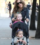 Sarah Jessica Parker Takes The Kids To School