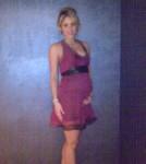 Shakira Debuts Baby Bump