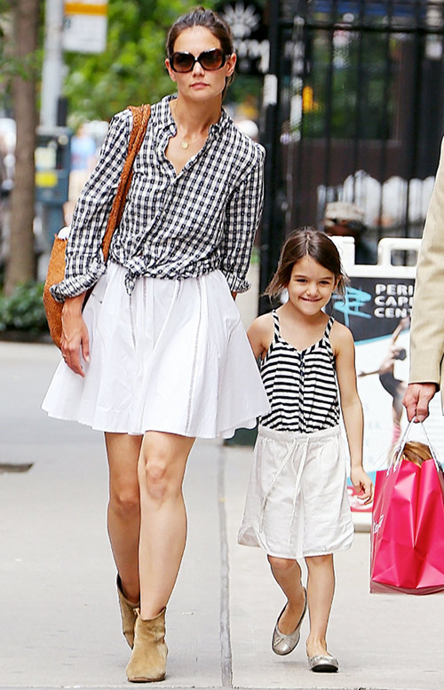 Katie Holmes Coping After Divorce From Tom Cruise: Ice Cream And Family Talks Got Her Through It