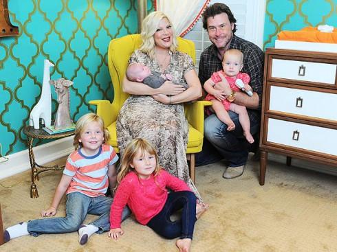 Tori Spelling Shows Off Finn\'s Giraffe Themed Nursery | Celeb Baby ...