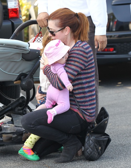 Alyson Hannigan Juggles Her Girls
