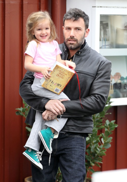 Ben Affleck Enjoys Breakfast With Seraphina