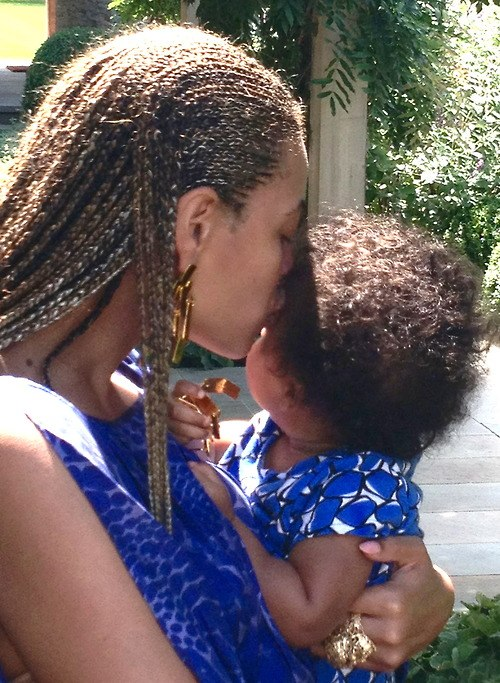 Beyonce Shares Picture Of Blue Ivy