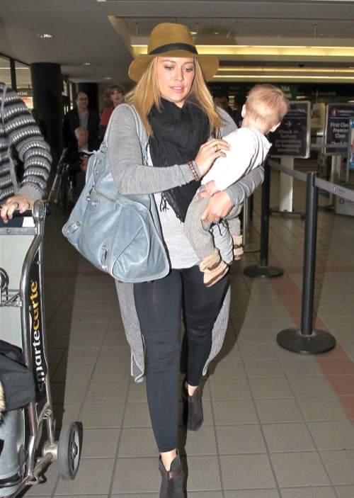 Hilary Duff & Family Take Off