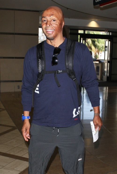 J.R. Martinez Catches A Flight Out Of LAX