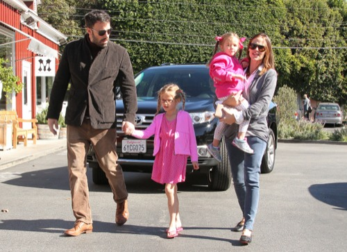 Jennifer Garner & Ben Affleck Enjoy a Market Day With Their Girls