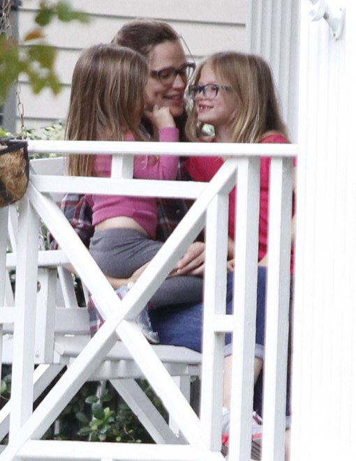 Jennifer Garner Bonds With Her Kids