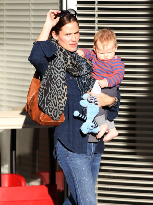Jennifer Garner Visits The Doctor With Her Pink Cheeked Cutie
