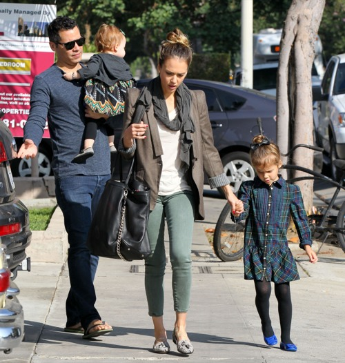 Jessica Alba Enjoys A Family Breakfast