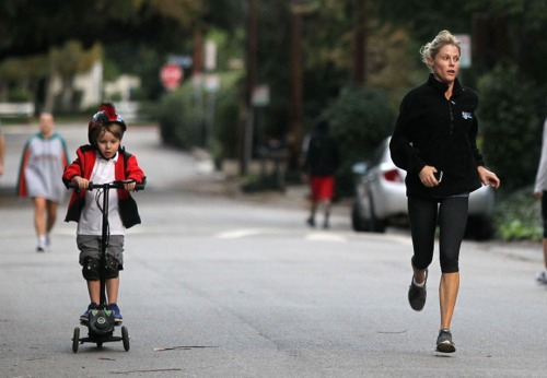 Exclusive... Julie Bowen Goes For A Jog With Her Son Oliver