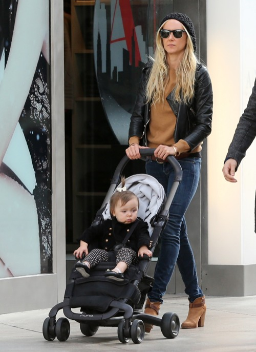 Kimberly Stewart Mall Shops With Delilah