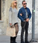 Pregnant Malin Akerman & Roberto Go Shopping