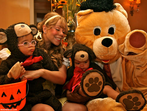 Mariah Carey & Nick Cannon Show Dem Bears For Halloween