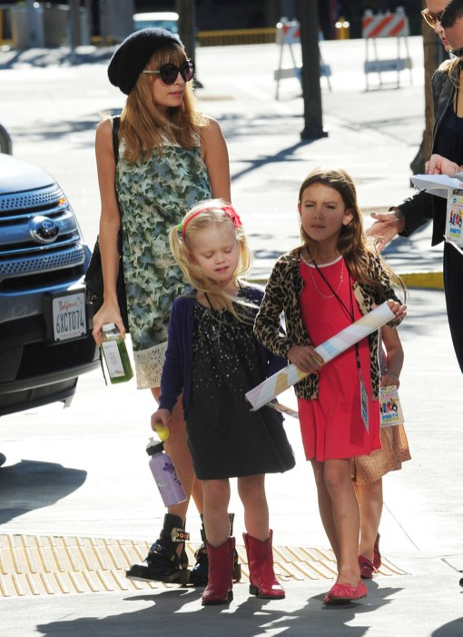 Nicole Richie Takes Her Little Princess to the Fresh Beat Band Concert