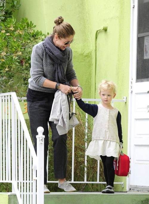 Rebecca Gayheart Picks Up Her Preschooler