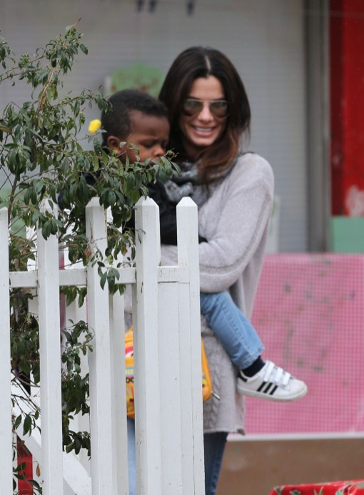 Sandra Bullock Makes The School Run