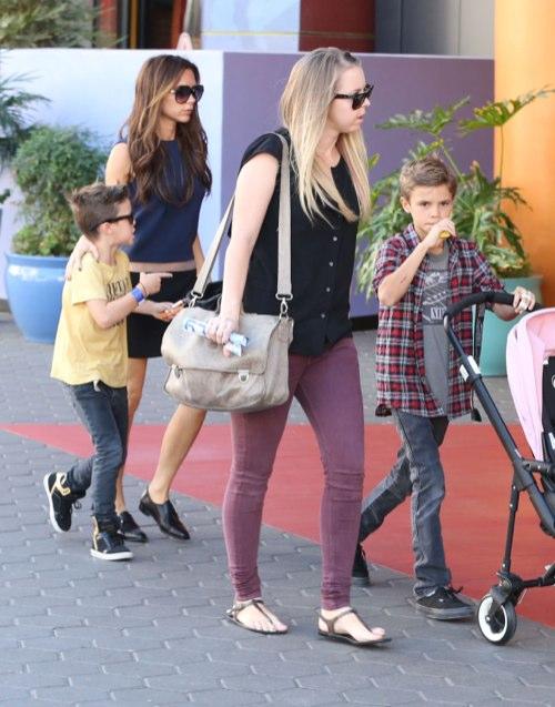 Semi-Exclusive… Victoria Beckham Takes Her Kids To Universal City Walk