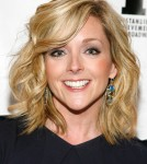 Jane Krakowski's Son Is Terrified Of Santa Claus
