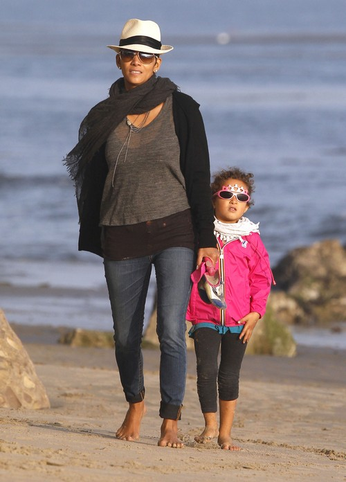 Halle Berry Reunited With Nahla Aubry – Fiancé Nowhere In Sight