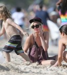 Ashlee Simpson And Son Bronx Enjoy A Day On The Beach