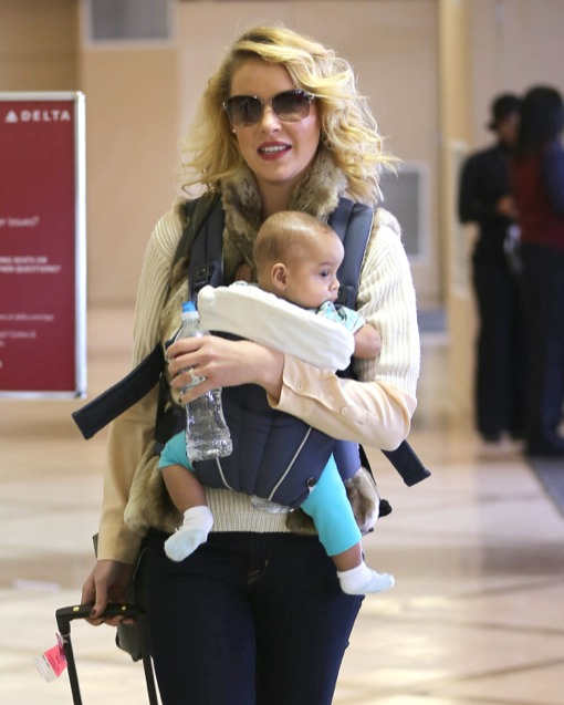Katherine Heigl Jets Off With Her Little Bundle of Joy