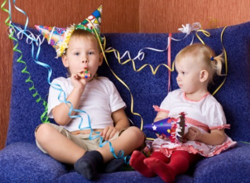 Kids_at_New_Years_Party (500 x 366)