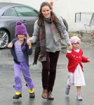 Jennifer Garner And Family Shopping On A Rainy Day