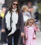Jennifer Garner Takes Violet Book Shopping After School