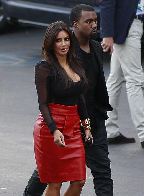 Kim Kardashian Offered $250,000 to Document her Pregnancy Online!
