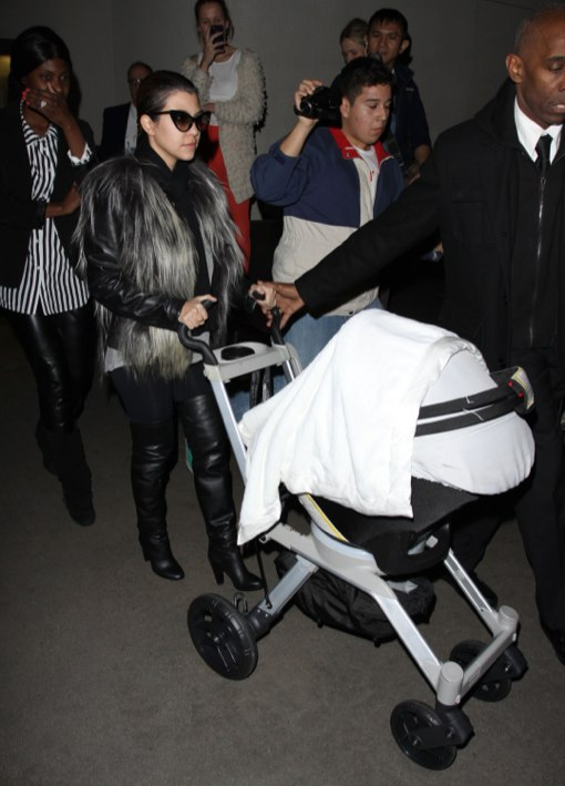 Kourtney Kardashian Returns To Los Angeles