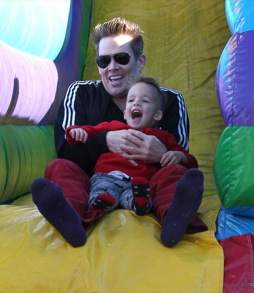Mark McGrath Takes His Family To The Farmers Market In Studio City