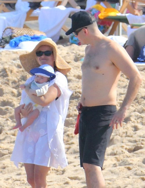 Reese Witherspoon, Baby Tennessee and Family In Hawaii