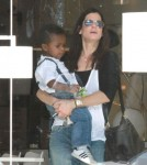 Sandra Bullock & Louis Shop For Lights