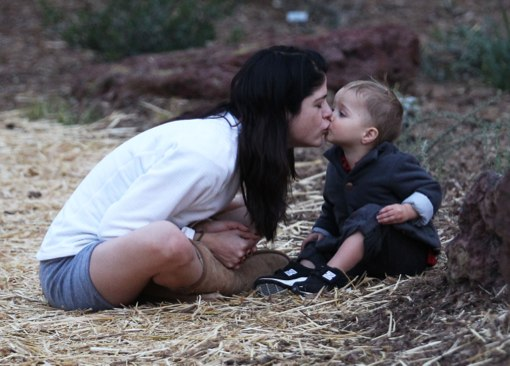 Selma Blair Gives Kisses to Arthur On Playdate