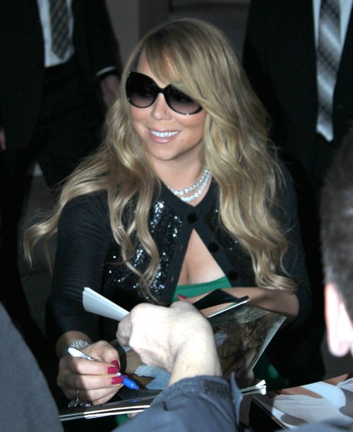 Mariah Carey Is A Normal Mom, She Even Changes Diapers!