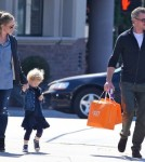 Rebecca Gayheart & Eric Dane Take Billie Shopping