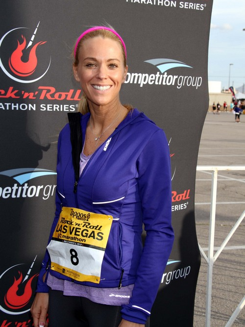 "Kate Gosselin Uses New Column ""Adventures With My 8"" to Try and Fit in With Normal Moms"